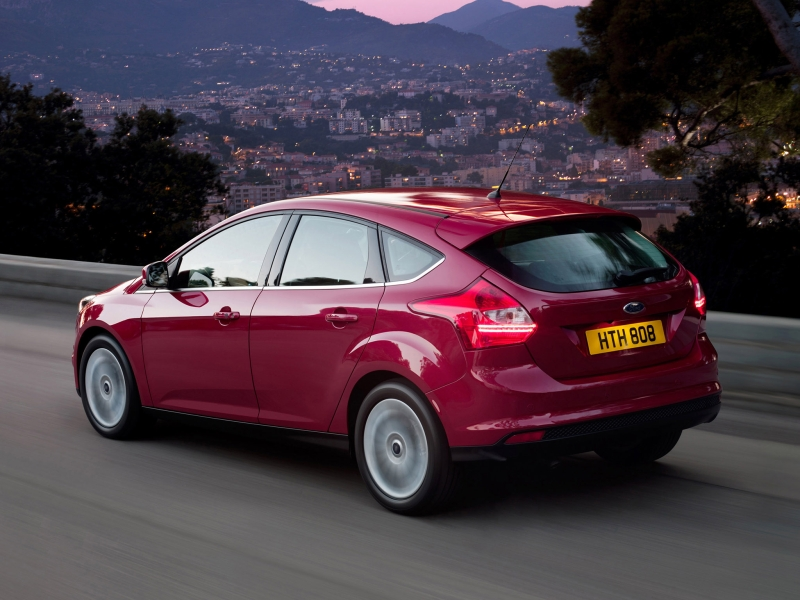 ford_focus-hatchback-2010